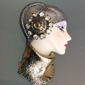 Pin Brooch woman's head  art deco exquisite detail